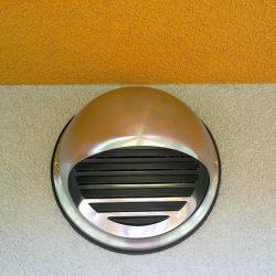 Dovod zunanjega zraka v stavbo
